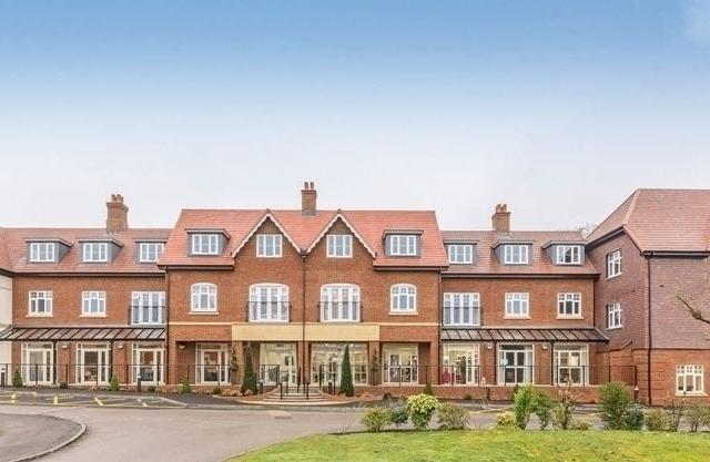 Elmbridge Manor Featured